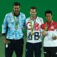 """Andy Murray a cucerit ieri o medalie pentru istorie. A devenit primul jucător de tenis din istorie care îşi apără cu succes titlul olimpic la simplu masculin. google_ad_client = """"ca-pub-7560018776823147"""";..."""