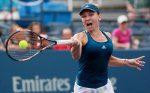 WTA Wuhan: Irina Begu s-a retras în setul secund al meciului cu Simona Halep, din turul doi
