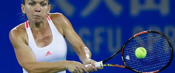 Simona Halep luptă la Wuhan nu doar pentru trofeu, ci şi pentru revenirea pe podiumul clasamentului mondial WTA. Situată acum pe poziţia a cincea în lume, Simona Halep nu are...