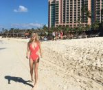 FOTO: Eugenie Bouchard, pe plajă, în vacanță