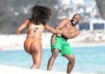 FOTOGALERIE: Serena Williams se distrează de minune pe plajă la Miami