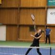 Simona Halep a continuat antrenamentele la Izvorani, acolo unde pregătește noul sezon din punct de vedere al tenisului. Azi, ea a deschis pentru o oră ușile sălii de antrenament pentru...