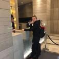 Simona Halep, a doua favorită a turneului de la Shenzhen, a ajuns azi în orașul chinez. Așa cum e normal, organizatorii au postat o fotografie cu ea la sosire, chiar...