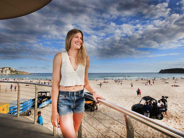 Eugenie Bouchard bondi beach sydney  04