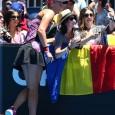 Cinci jucători români vor evolua în cea de-a treia zi a Australian Open: Irina Begu, Sorana Cîrstea, Monica Niculescu, Horia Tecău și Florin Meregea. Begu, cap de serie numărul 27,...