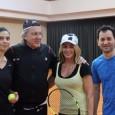 Nadia Comăneci a venit în țară după ce a participat la gala premiilor Laureus și nu a putut refuza invitația la tenis făcută de un alt membru al Academiei Laureus,...
