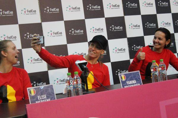 Yanina wickmayer selfie belgia