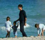 FOTO: Roger Federer, în rol de tată pe plajă la Miami