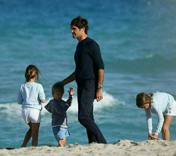 roger federer copii plaja