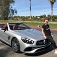 Simona Halep se află la Indian Wells, unde îmbină utilul cu plăcutul. Între antrenamente, ea are timp pentru plimbări, iar ieri și-a făcut plimbarea la bordul unui Mercedes. Cum ea...
