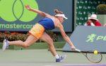 WTA Miami: Simona Halep şi Naomi Osaka, întrerupte de ploaie de două ori. Meciul se va relua în scurt timp