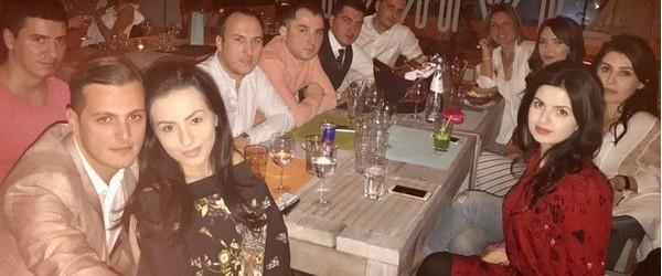Simona Halep a petrecut Paștele, după mult timp, acasă, la Constanța, alături de prieteni. Profitând de programarea meciului cu Marea Britanie, din Fed Cup, chiar la Mamaia, Simona Halep s-a...