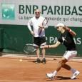 Novak Djokovic trece, la acest Roland Garros, într-o nouă fază a carierei sale. Pe zgura din Franţa el începe colaborarea cu Andre Agassi. Primul antrenament al lui Novak Djokovic sub...