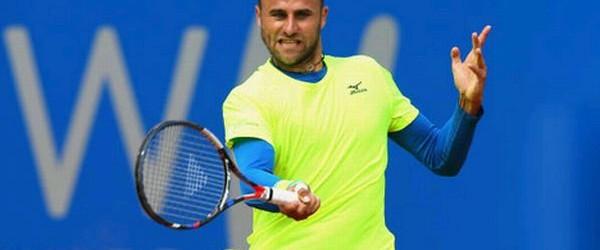 Marius Copil nu este deloc apăsat de statutul de cap de serie 1 în calificările de la Roland Garros. El a ajuns la o victorie de promovarea pe tabloul principal....
