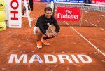 FOTO: Rafael Nadal cu trofeul de la Madrid, cucerit pentru a cincea oară