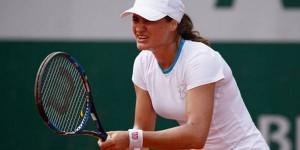 Monica Niculescu a debutat cu dreptul pe iarbă. Ea s-a calificat în turul 2 la Eastbourne. În primul tur al turneului WTA de la Eastbourne, Monica Niculescu a învins-o cu...