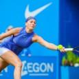 Este o minune că mai poate juca. Acum, nu numai că o face, dar duminică va juca în finala turneului pe iarbă de la Birmingham. Petra Kvitova este o mare...
