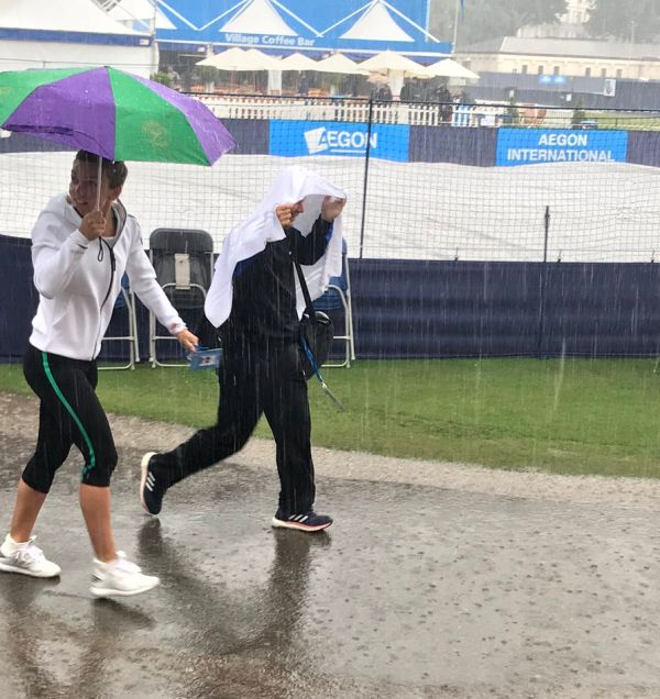 simona halep ploaie eastbourne