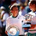 Simona Halep a suferit o înfrângere dureroasă și oarecum neașteptată în finala turneului de la Roland Garros. Ea a fost învinsă cu scorul de 4-6, 6-4, 6-3, de letona Jelena...