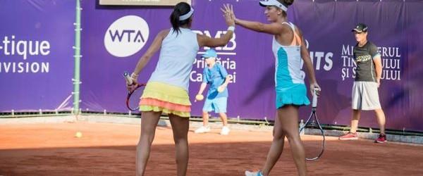 Irina Begu a avut o zi perfectă azi. La câteva ore după ce s-a calificat în finala de simplu la BRD Bucharest Open, ea a obținut calificarea și în cea...