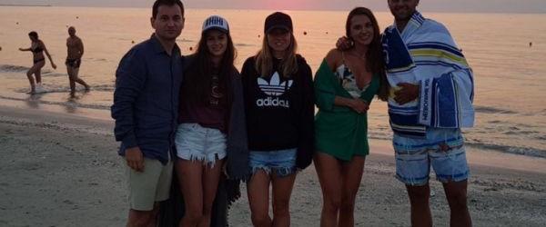 Simona Halep și-a petrecut weekend-ul acasă, la Constanța, și câteva ore a ieșit și pe plajă. Nu a făcut-o singură, ci împreună cu Marius Copil, care a fost însoțit de...