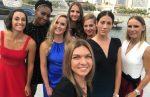 Turneul Campioanelor 2017: Simona Halep și celelalte jucătoare, la ședința foto cu trofeul (FOTO)