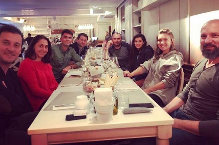 Andrei Pavel, Tamira Paszek, Horia Tecau, Cosmin Hodor, Marius Tuca, Simona Halep si Bogdan Stelea, la Fior Di Latte