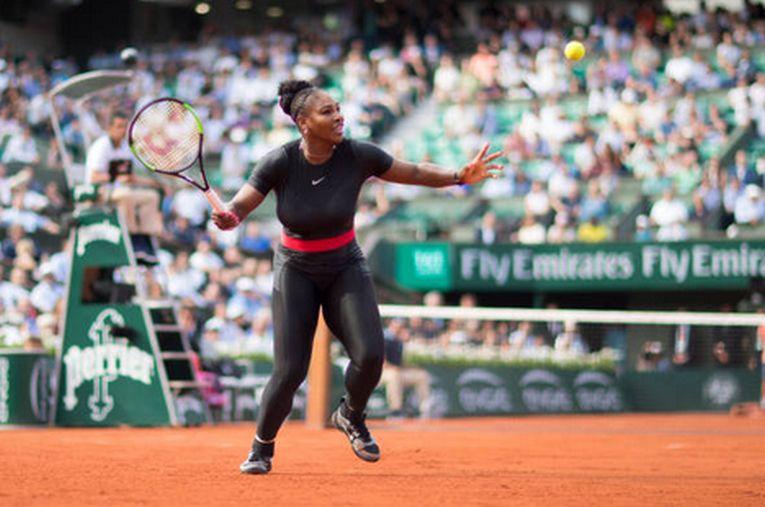 Serena Williams a socat cu tinuta ei Cat Woman neagră de la Roland Garros 2018