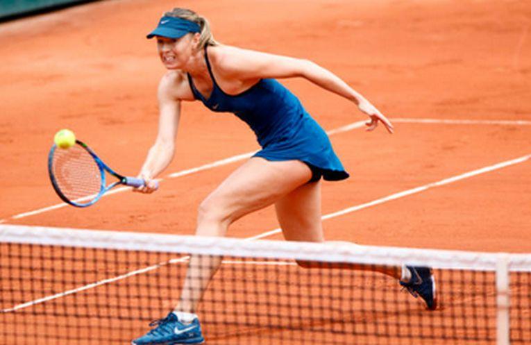 Maria Sharapova a purtat o tinuta albastra la Roland Garros 2018