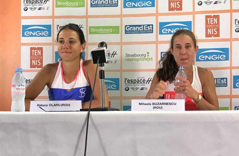 Două românce fericite la conferința de presă de la Strasbourg: Mihaela Buzărnescu și Raluca Olaru