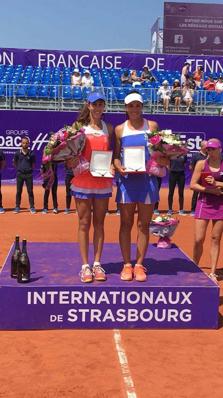 Mihaela Buzarnescu si Raluca Olaru, la festivitatea de premiere a turneului de la Strasbourg 2018