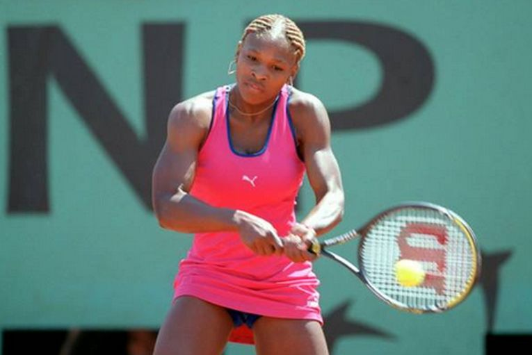 Serena Williams în echipamentul purtat la Roland Garros 2001