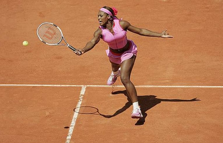 Serena Williams în echipamentul purtat la Roland Garros 2004