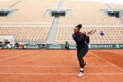 Jucatoarea americana de tenis Serena Williams a inceput antrenamentele pe zgura de la Roland Garros