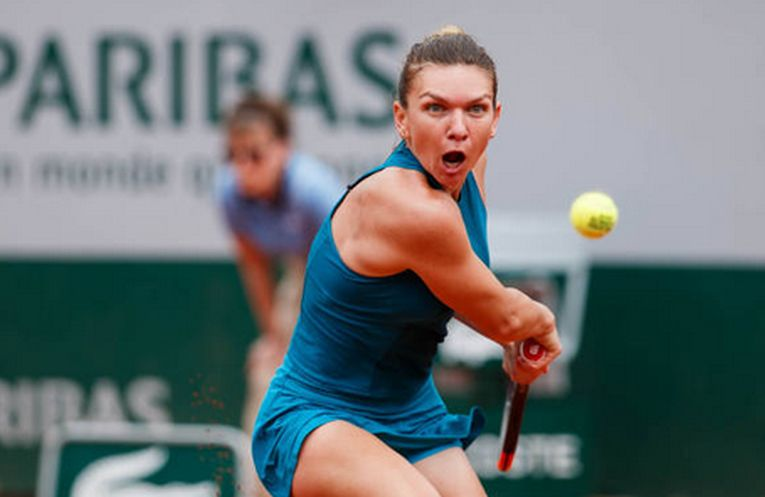 Simona Halep în acțiune la Roland Garros 2018