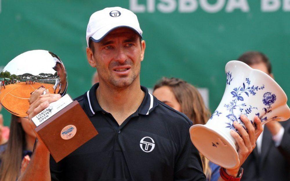 Jucătorul spaniol de tenis Tommy Robredo a plâns cu lacrimi vizibile la festivitatea de premiere a challenger-ului de la Lisabona