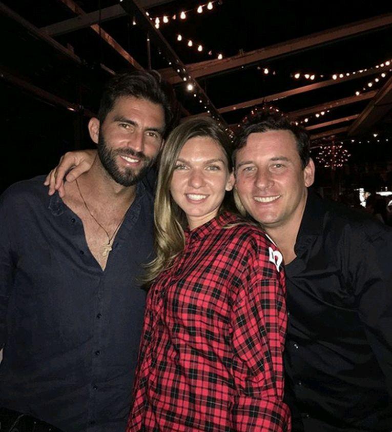 Simona Halep, alături de Horia Tecău şi de Andrei Pavel, la petrecerea organizată după câştigarea titlului la Roland Garros 2018