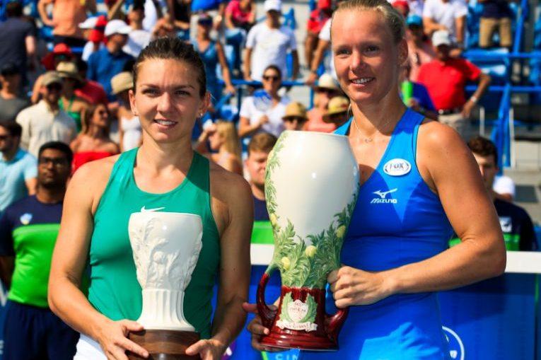 Simona Halep si Kiki Bertens, dupa finala de la Cincinnati