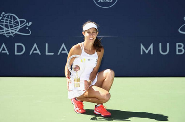 Mihaela Buzarnescu si trofeul cucerit la San Jose 2018
