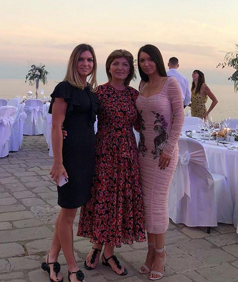 Simona Halep, mama ei si cumnata, la Dubrovnik in Croatia