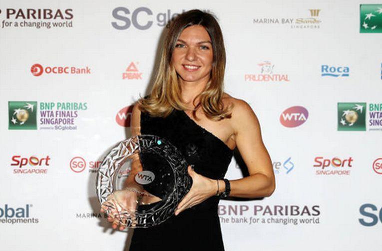 Simona Halep a purtat o rochie de seara neagra la Singapore, la ceremonia de decernare a premiului pentru cea mai buna jucatoare a anului 2018 in WTA