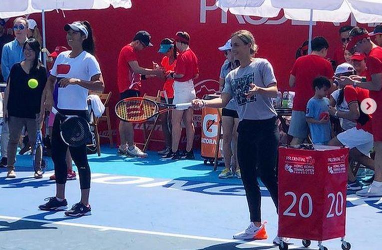 Ana Bogdan a jucat tenis caritabil la Hong Kong
