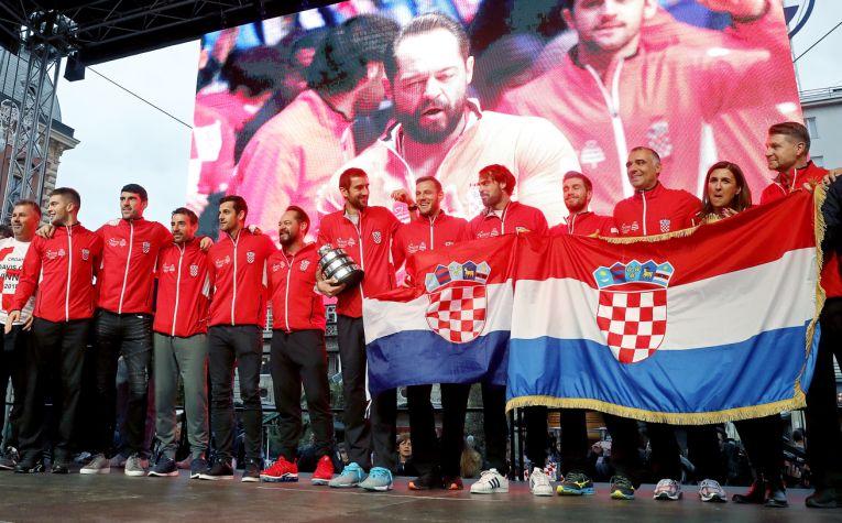 Jucătorii croați au petrecut cu fanii pe scena din Zagreb