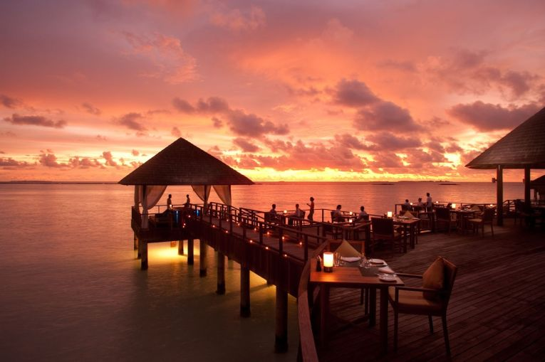 Apus de soare in Maldive