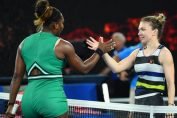 Simona Halep si Serena Williams, la finalul meciului de la Australian Open 2019