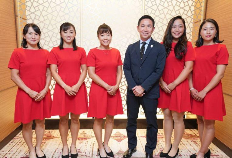 Echipa de Fed Cup a Japoniei la dineul oficial