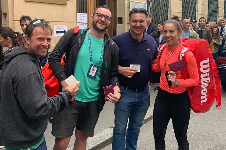 Mihaela Buzărnescu și echipa ei, după vot