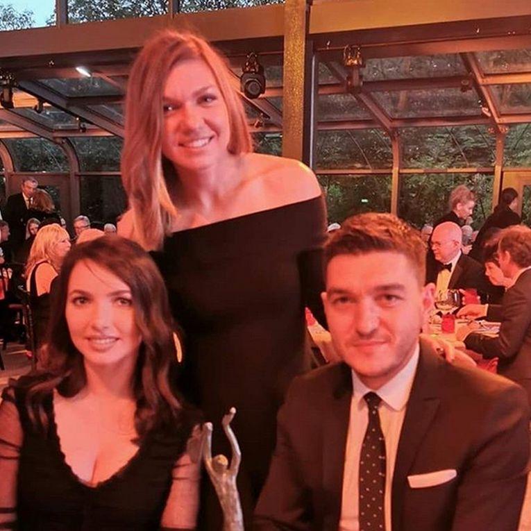 Simona Halep, alături de fratele ei, Nicolae, și de soția acestuia, la Cina Campionilor Mondiali de la Paris