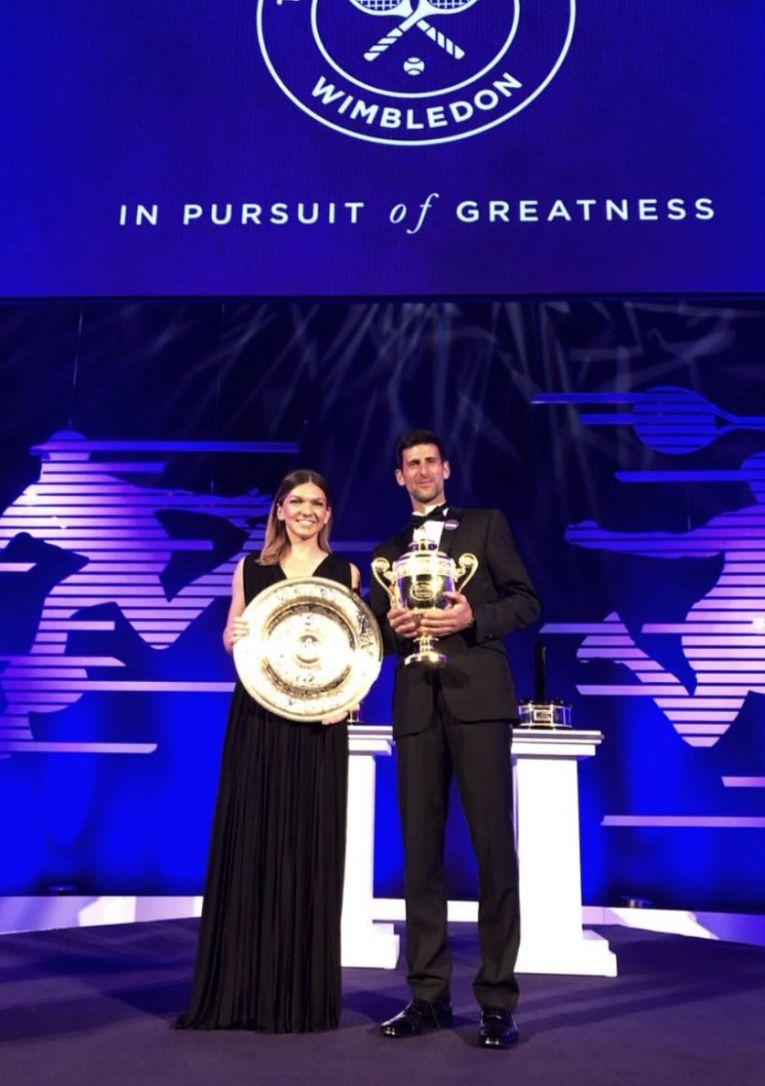 Simona Halep si Novak Djokovic, pe scena Balului Campionilor de la Wimbledon