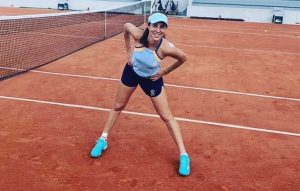 Mihaela Buzărnescu susține Tenis pentru Fapte Bune